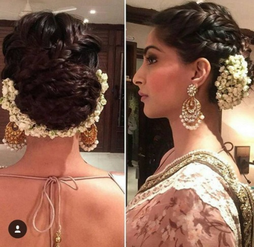 10 Beautiful Hairstyles With A Gajra For The Bride To Be