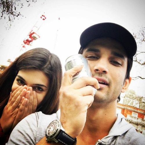 Sushant Singh Rajput S Latest Instagram Picture Is Going: Kriti & Sushant: Are These Two An Adorable Pair Or WHAT